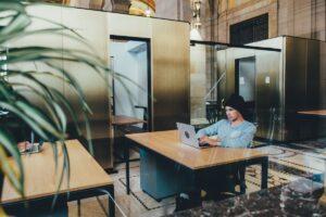 De zelfsturingsparadox voor HR en HRD